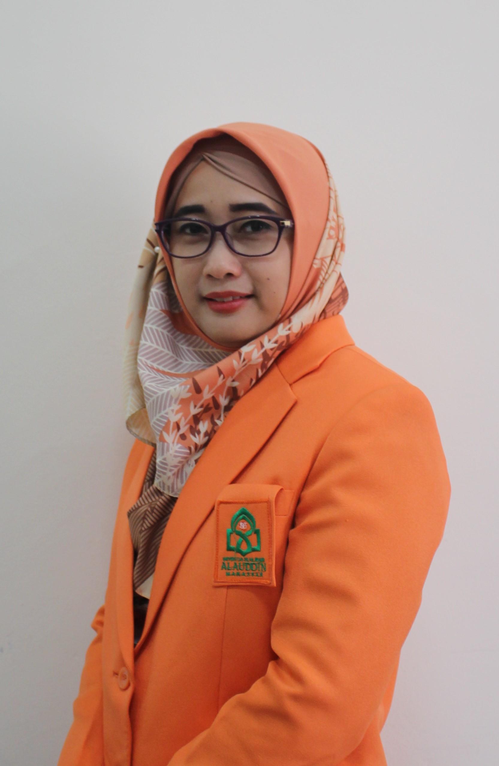 Dr.Hj.Rika Dwi Ayu Parmitasari, S.E.,M.Com.